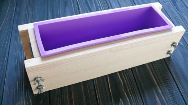 Форма силиконовая для брускового мыла (в дереве) на 1 кг масел