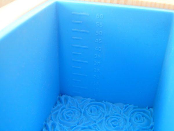 """Форма для мила з нуля """"Троянди"""" на 1 кг олій"""