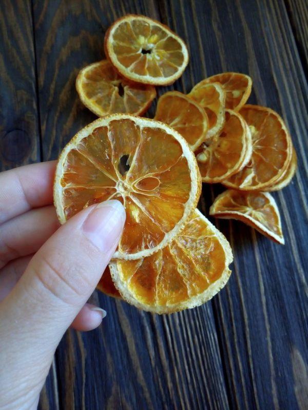 Кільця сушеного апельсину